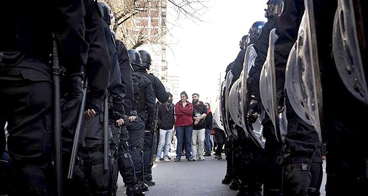 Represión Antena Negra TV