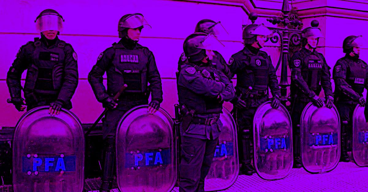 Policía Federal violeta