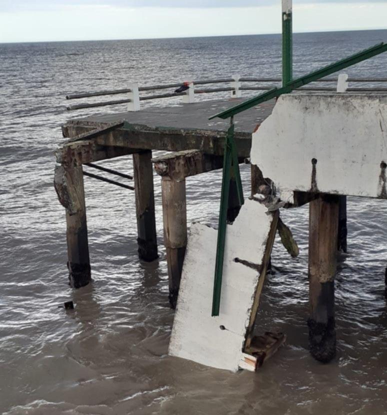 Derrumbe muelle Mar de Ajó