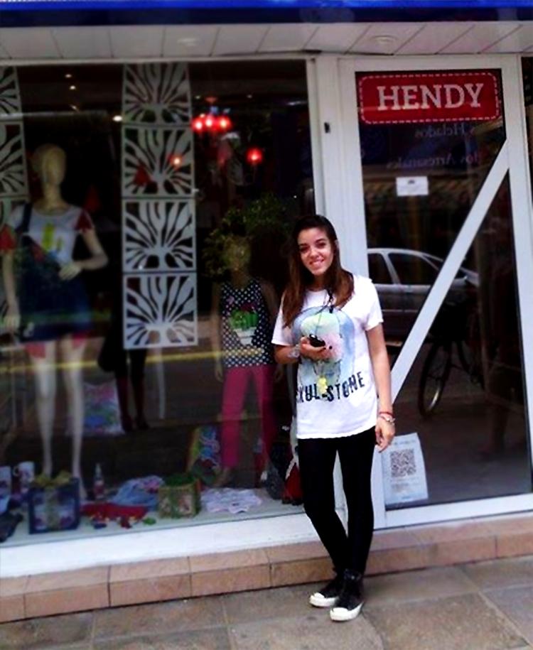 Bahiana y su primer móvil, en Hendy San Bernardo